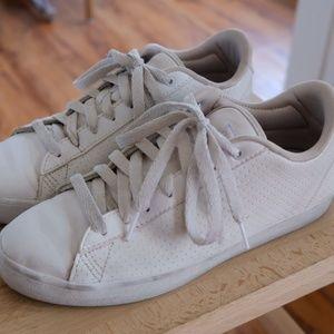 Adidas Cloudfoam Daily Qt Clean Women's Shoes